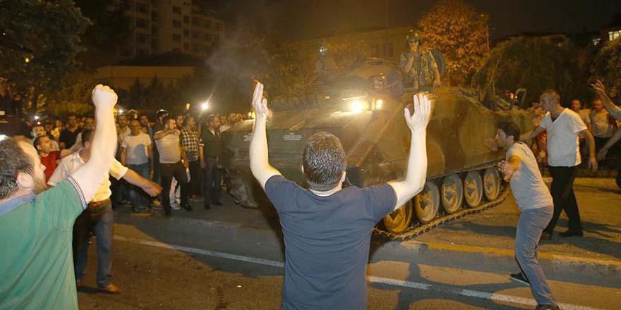 Tankın önüne yatan kahraman Kayseri'de