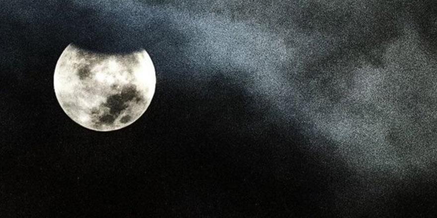 Çin'in Ay'ın karanlık yüzüne yolculuğu başladı