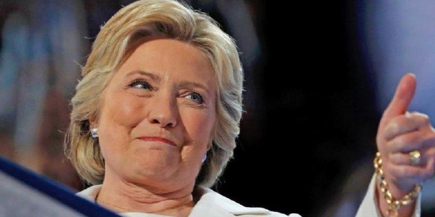 Amerika'da Clinton'ın rahatsızlığı tartışılıyor