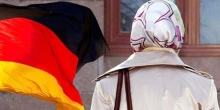 Almanya'da başörtüsü iş şansını azaltıyor