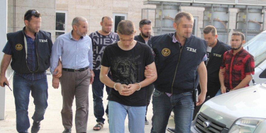 Baba ve 3 oğluna DAEŞ'ten tutuklama