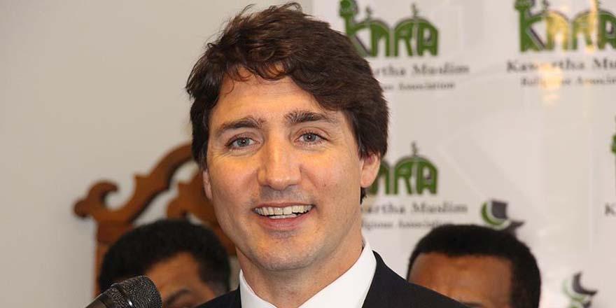 Kurban Bayramı'nı camide kutlayan Kanada Başbakanı: Müslümanlar zenginlik katıyor