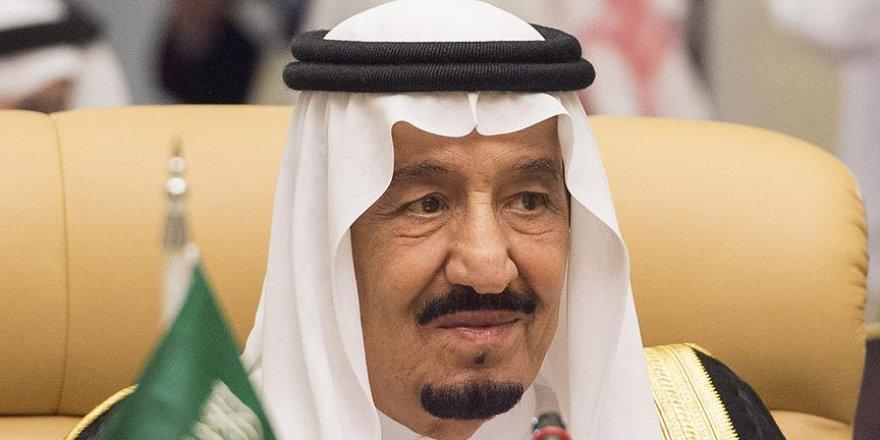 Suudi Arabistan Kralı Selman: Hac ibadeti siyasi hedef aracı olmamalı