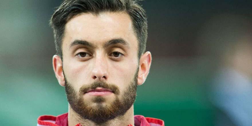 Ünlü futbolcu Yunus Mallı: 5 vakit namazımı kılarım