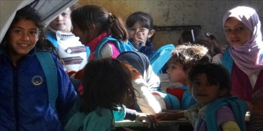 Suriye'nin Dera şehrinde eğitim 'mekteplerde' veriliyor