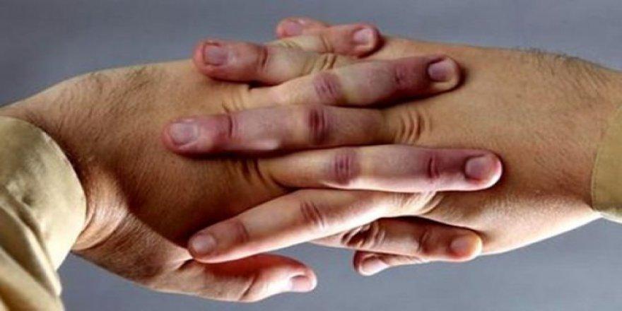 Parmak kütletmek zararlı mı?
