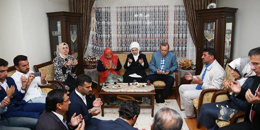 Cumhurbaşkanı'ndan şehit yakını ve gazilere ziyaret