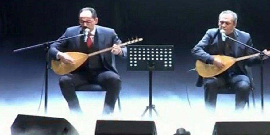 İbrahim Kalın ve Yavuz Bingöl'den 15 Temmuz Şehitleri Türküsü