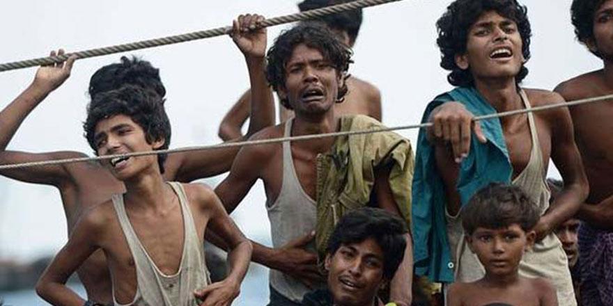 Myanmar'da bazı Müslümanlar korku ile Budizm'e giriyor