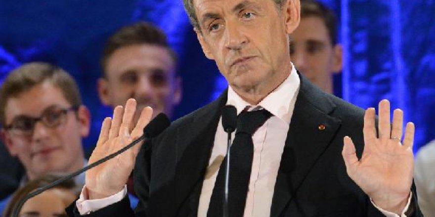 Sarkozy: Türkiye Avrupa'ya değil Asya'ya ait