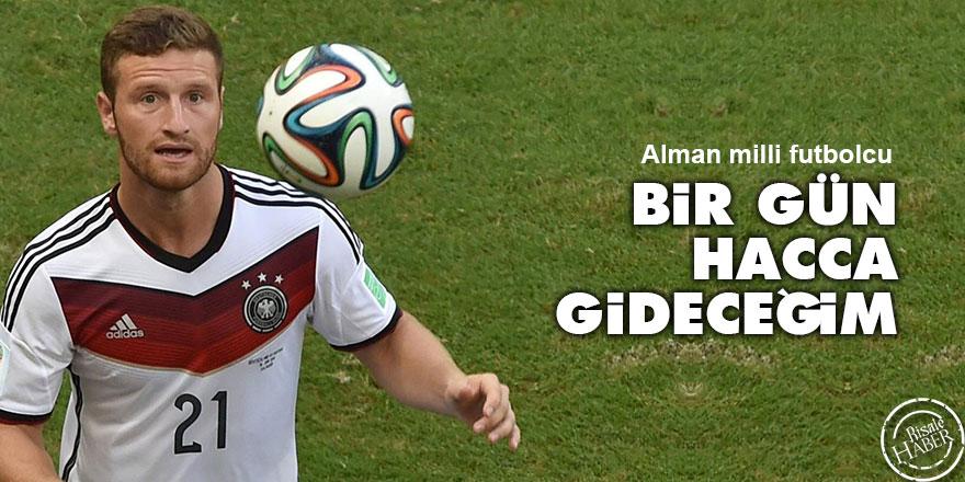 Alman milli futbolcu Mustafi: Bir gün hacca gideceğim