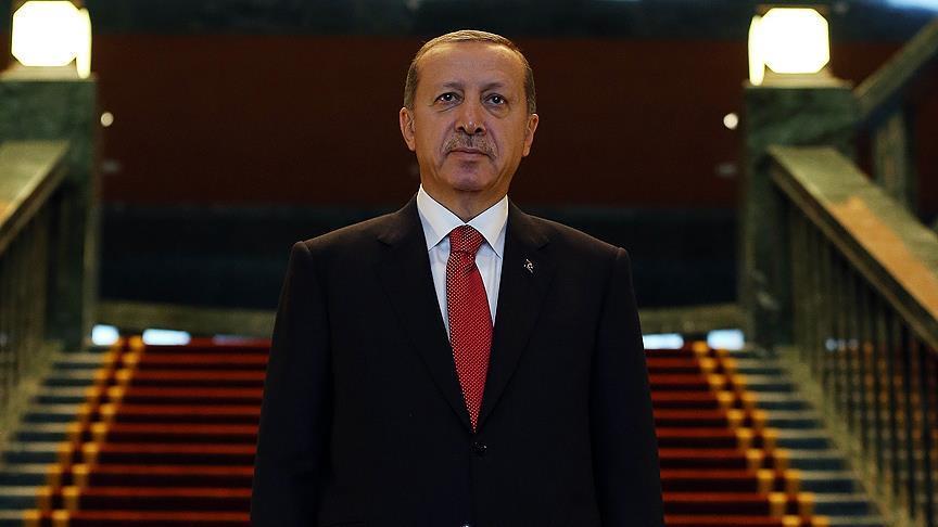 Erdoğan cuma namazını Davutoğlu'yla kıldı