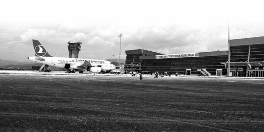 Havalimanı teröre inat doldu taştı