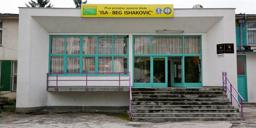 FETÖ Bosna'daki okullarını devretmedi