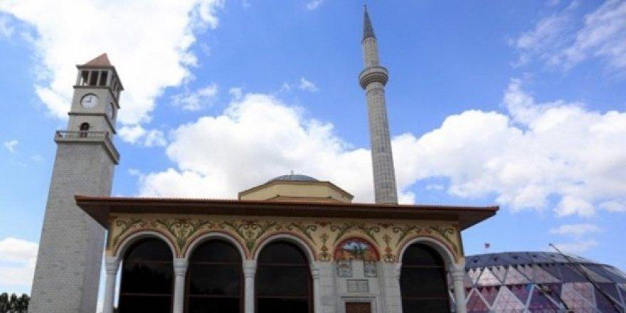 Fransa'da Cami'ye çirkin saldırı