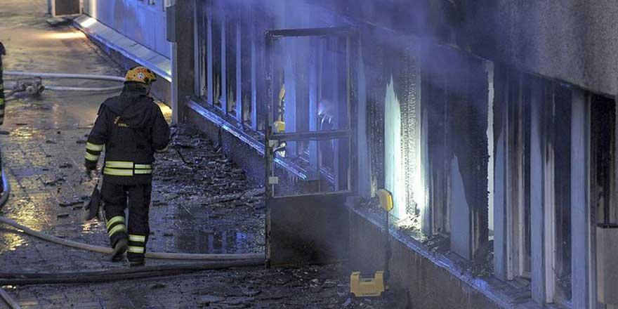 İsveç'te mescit yakıldı