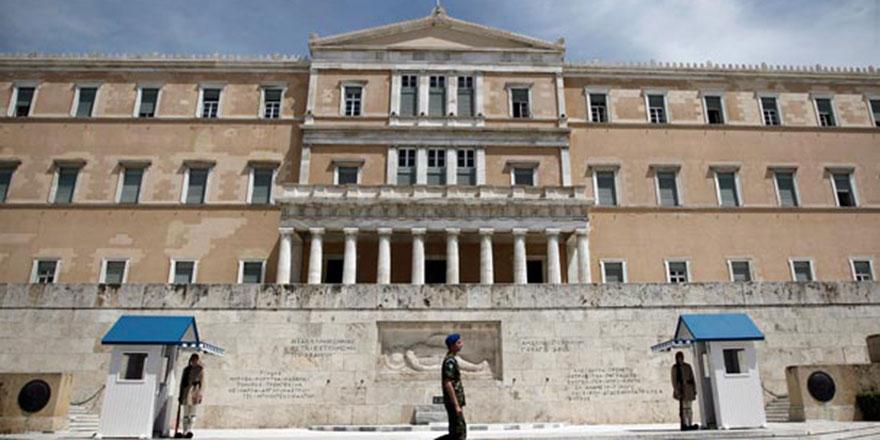Camisiz tek başkent Atina'da cami için imzalar nihayet atıldı