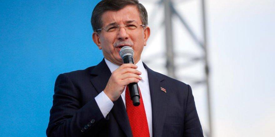 Davutoğlu: Türkiye'yi tehdit etmeye asla yeltenmeyin