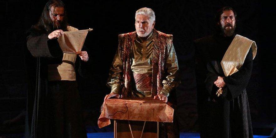 'Haşhaşiler' tiyatro sahnesine taşınıyor