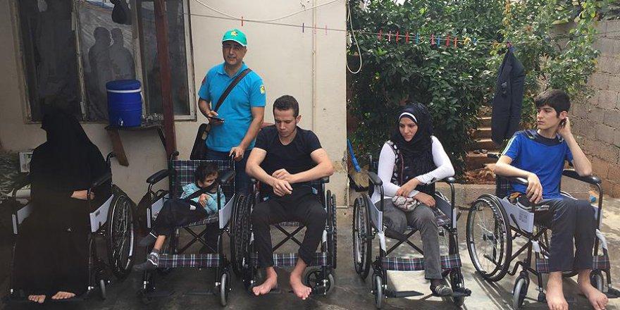 Suriyeli savaş mağdurlarına tekerlekli sandalye yardımı
