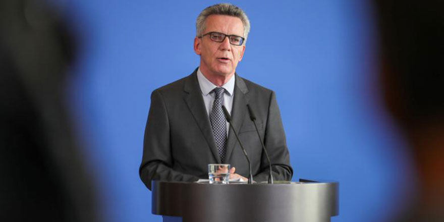 Almanya İçişleri Bakanı: Müslümanlara tatil günü için hazırım