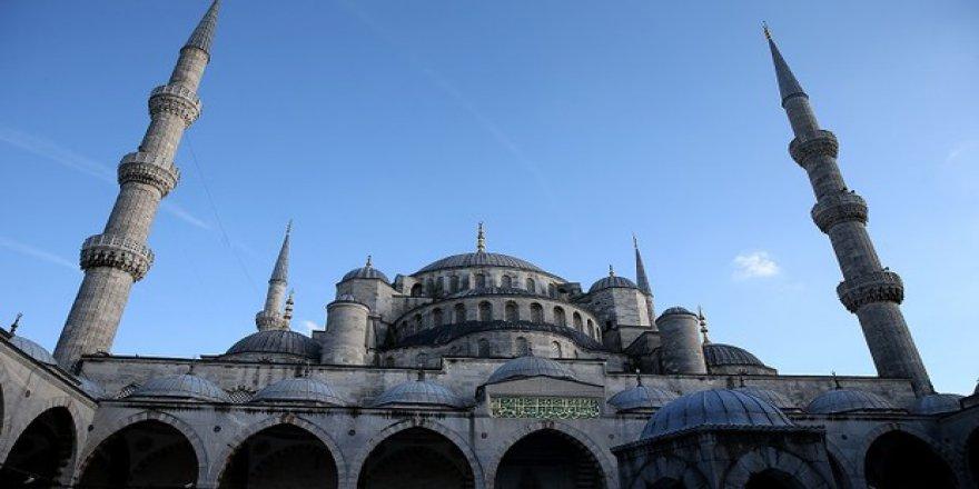 Sultanahmet Camii'nin 400 yıllık minaresi yeniden örüldü