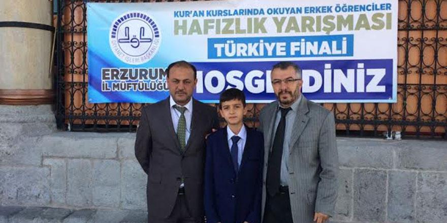 Hafızlık yarışması Türkiye ikincisi Akhisar'dan