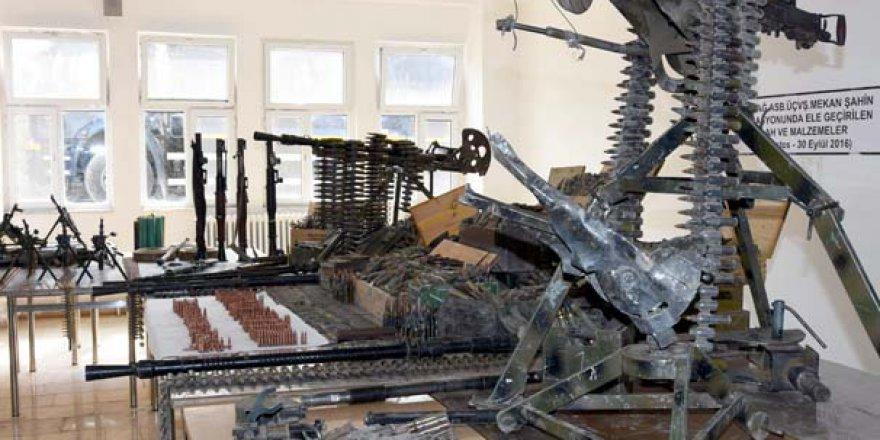 PKK'dan ele geçirilen silahlar sergilendi