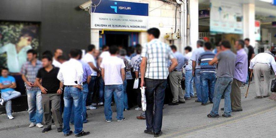 İŞKUR her ay onbinlerce kişinin iş bulmasını sağlıyor