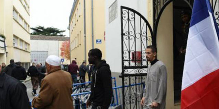 Fransa'da Müslümanların iftar sonrasını hedef alan 'laiklik' kararı iptal edildi