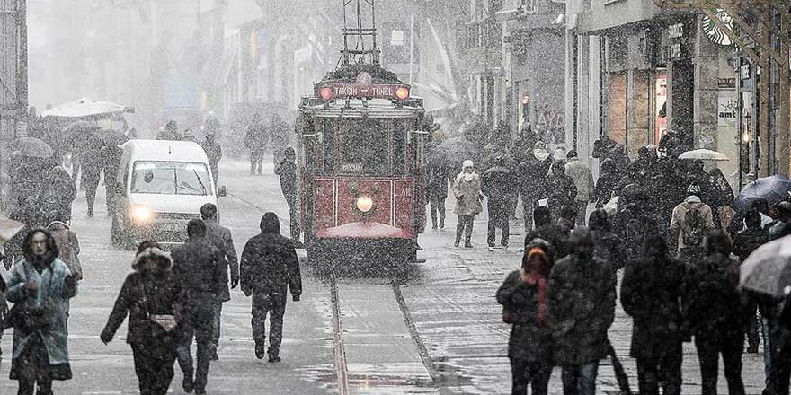 Marmara'ya kar gönderiliyor