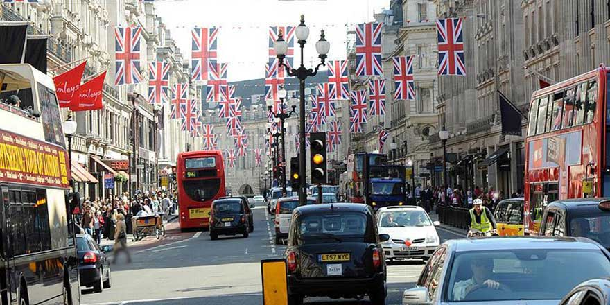 Birleşik Krallık'ta seçimin ardından iktidar senaryoları tartışılıyor