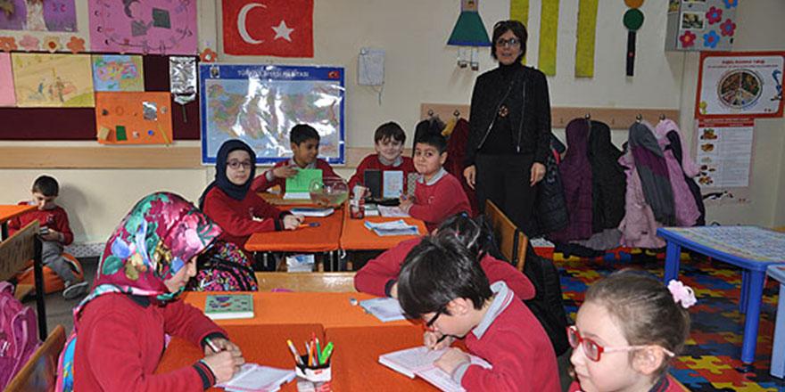 Okullardaki devamsızlık sorunu masaya yatırıldı