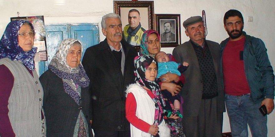Şehit Sekin'in babasından Fethi bebeğe ziyaret
