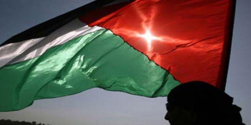 İsrail askerlerinin katlettiği Filistinli kız çocuğu defnedildi