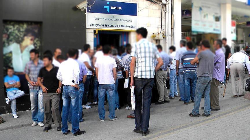 Türkiye'de genç işsizliği alarm veriyor
