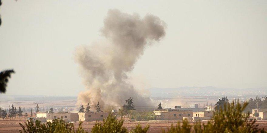 Batı Halep'te savaş uçakları sivilleri vurdu