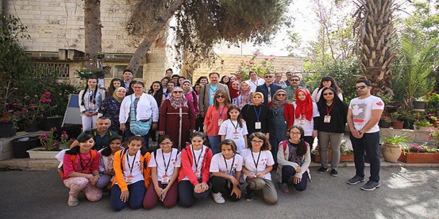 Türk öğrenciler Filistinli kardeşlerine misafir oldu