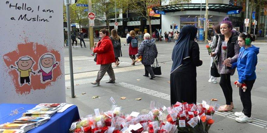 """""""Buyurun, ben Müslümanım"""" etkinliği Avustralya'da"""