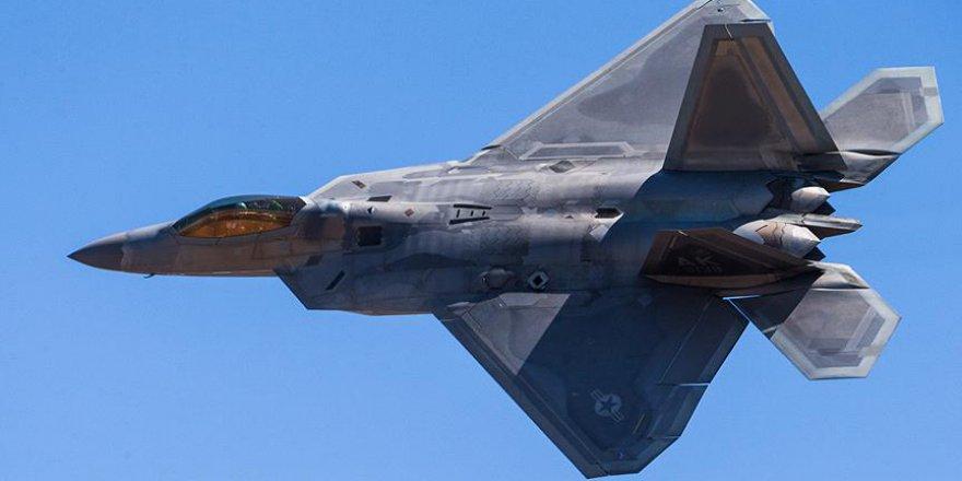 ABD savaş uçağından Rus bombardıman uçaklarına engelleme