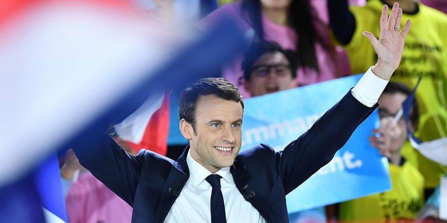 Fransa'da Müslüman örgütlerinden Macron'a destek
