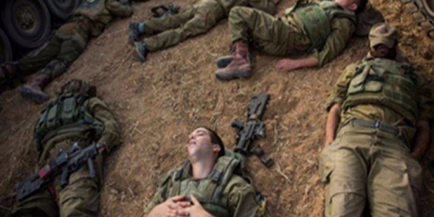 Uyuyan İsrail askerlerinin silahlarını çaldılar