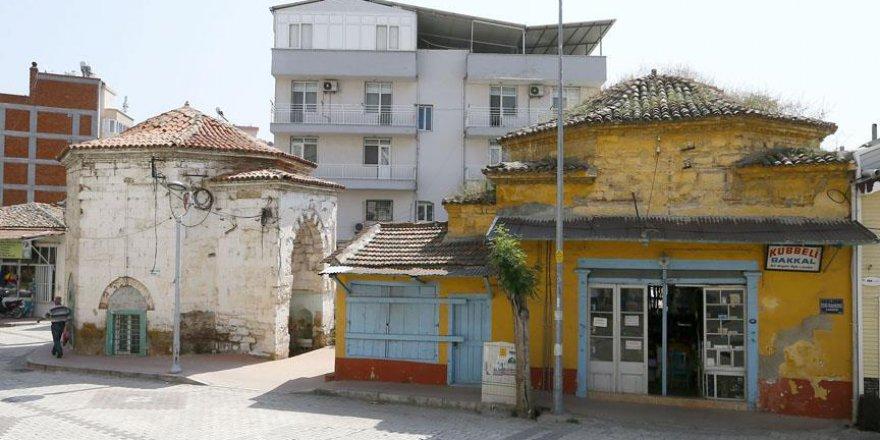 'Kubbeli Bakkal' tarihi yaşatıyor