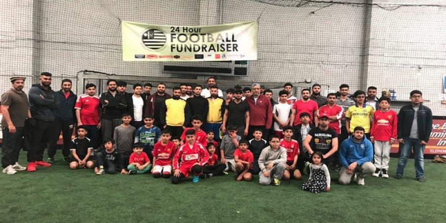 İngiltereli genç Müslümanlar yardım için sahaya çıkıyor