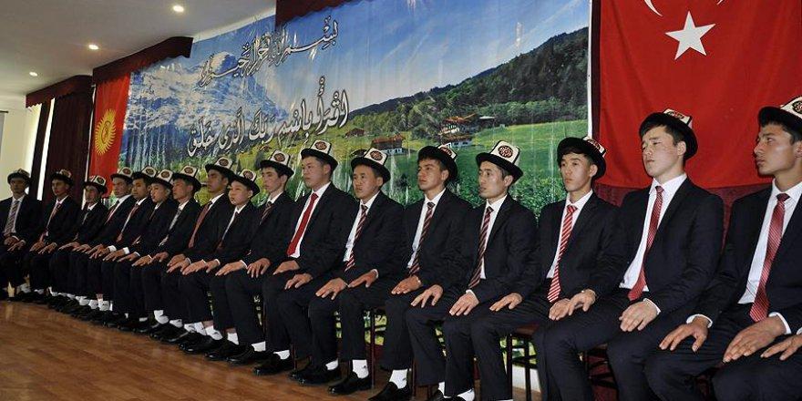 24 Kırgız üniversite bünyesinde hafız oldu