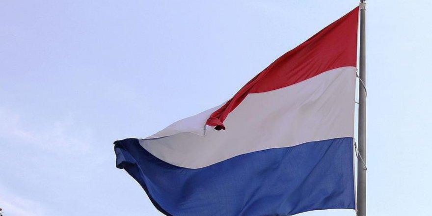 Hollanda'da göçmenler kendini daha az güvende hissediyor