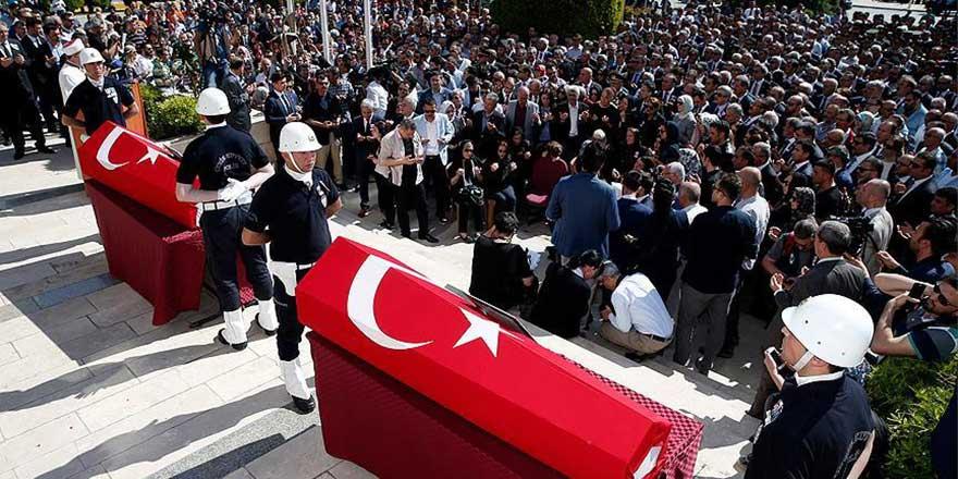 Şehit başsavcı Mustafa Alper dualarla uğurlandı
