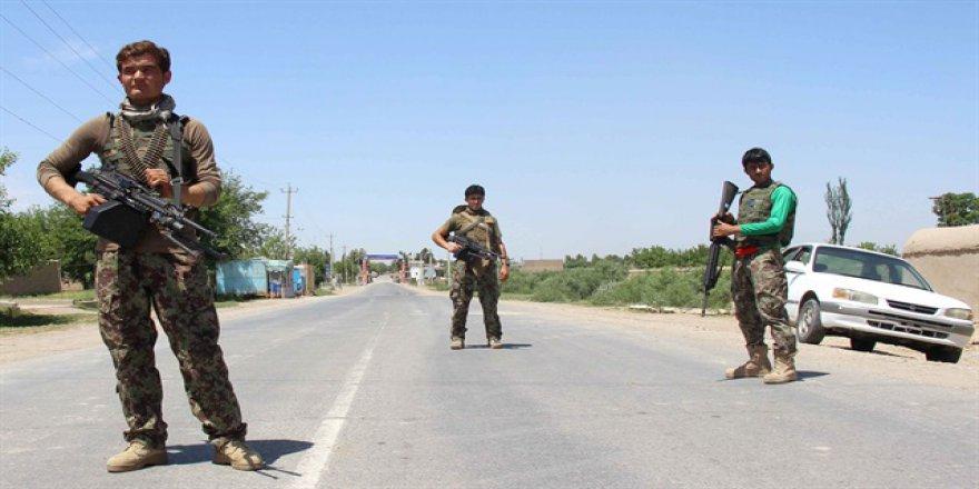 Taliban'ın Afgan hükümetini tanımaması barış sürecini tehdit ediyor