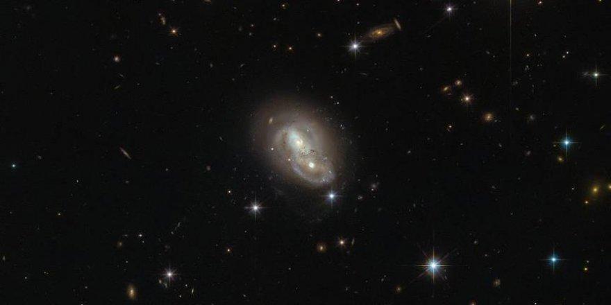 Sübhanallah: Saatte 2 milyon kilometre hızla giden iki galaksi keşfedildi