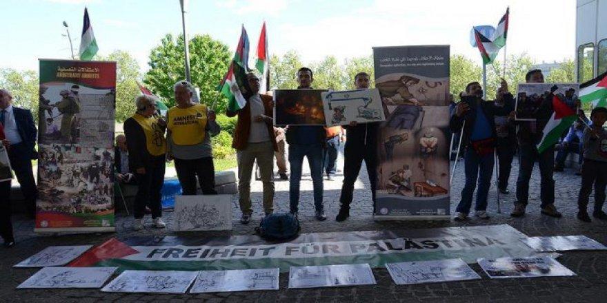 Avusturya'da Filistinli tutukluların açlık grevine destek gösterisi